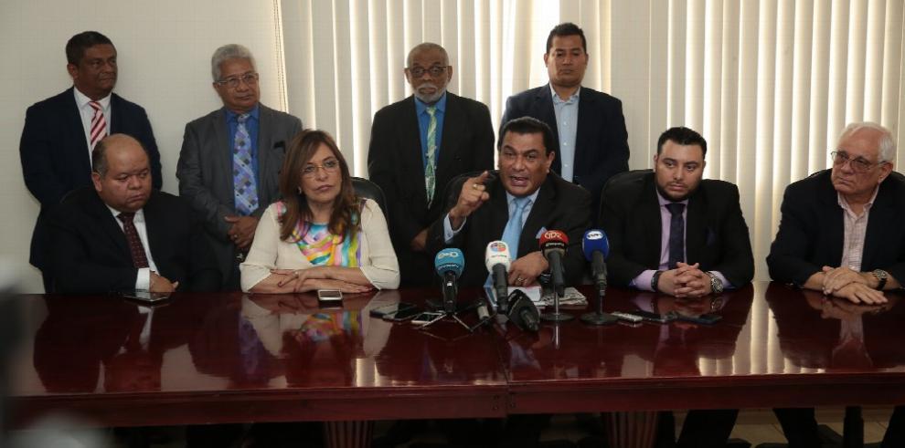 Querella tilda de 'nefasto e injusto' fallo del tribunal de juicio y anuncia recursos