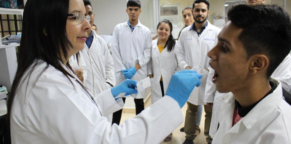 Estudiantes de genética y afines en Chiriquí se actualizan en la aplicación de tecnologías de ADN