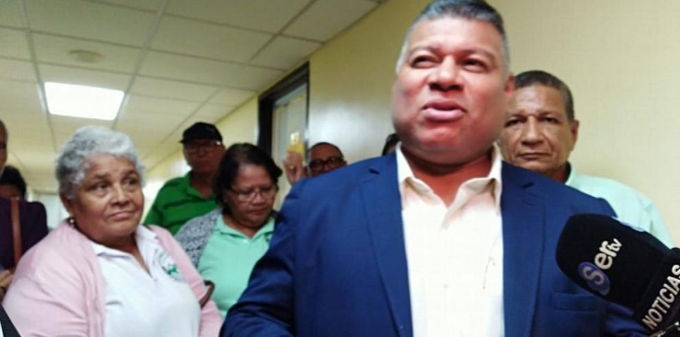 Diputados esperan propuesta del Ejecutivo para resolver el problema de medicamentos