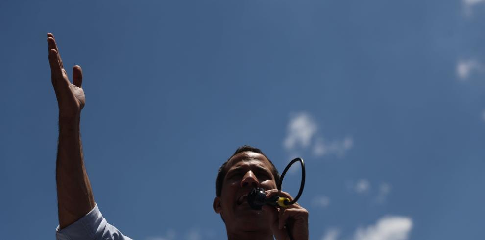 Guaidó dice a Díaz-Canel que no habrá más petróleo venezolano para Cuba