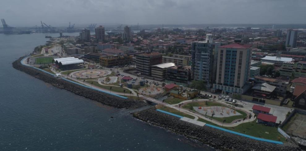 Colonenses reciben apartamentos en Altos de Los Lagos y Paseo Marino II