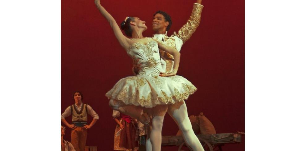 Bailarín Carlos Acosta extiende a EEUU fundación de ayuda a niños talentosos