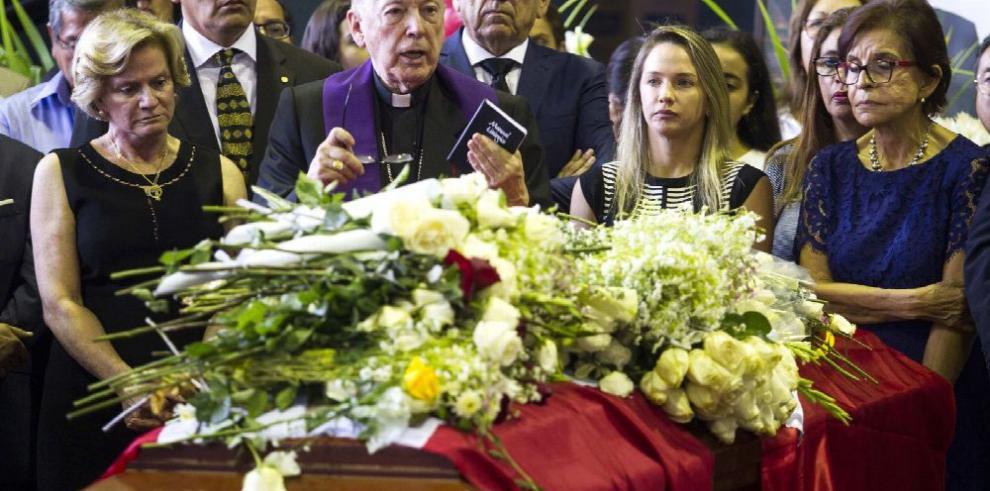 Fatalidad y juicio histórico: prensa peruana sobrecogida por muerte de García