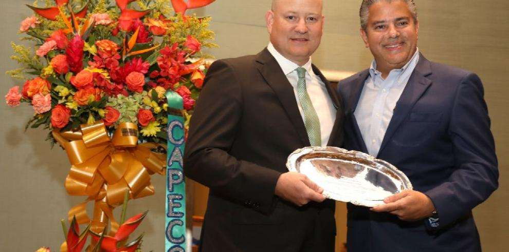 Eduardo Tejeira, 'Asegurador Distinguido' por empresas de corretaje