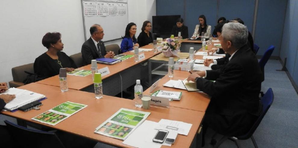 Japón posa sus ojos en Panamá y busca invertir en puertos y logística