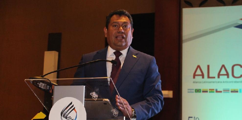 Panamá aspira ser referencia regional para combatir blanqueo y comercio ilícito