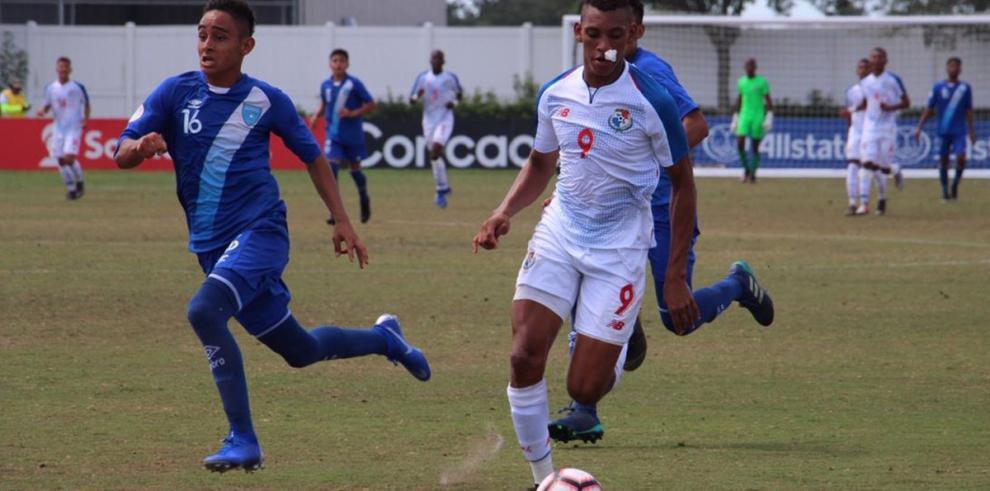 La sub-17 derrota a Guatemala