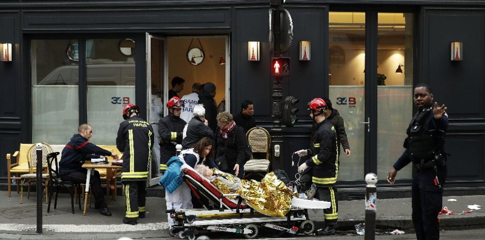 Hallan el cadáver de una mujer sepultada por la explosión en París