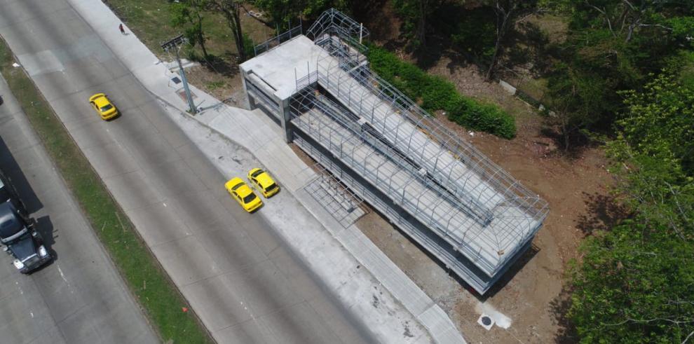 Puente peatonal de la UTP con el 83% de avance