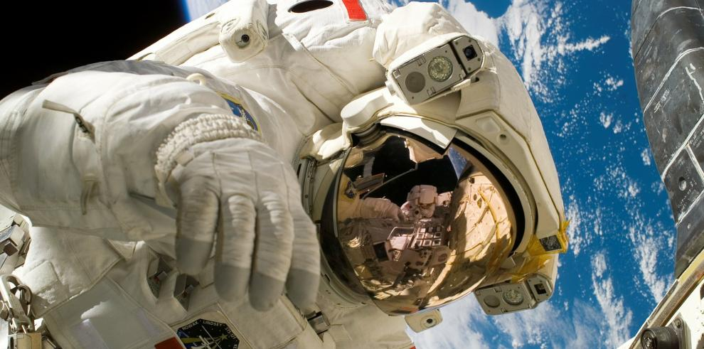 Astronauta cree que vuelos turísticos no dañarán gravemente al medio ambiente