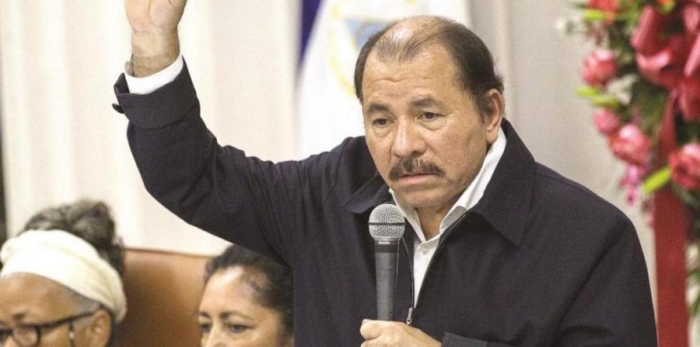Prohíben portar armas en toda Nicaragua por aparición de Ortega en público
