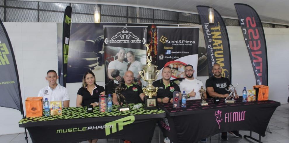 Atletas Chiricanos se preparan para competencia de fisicoculturismo