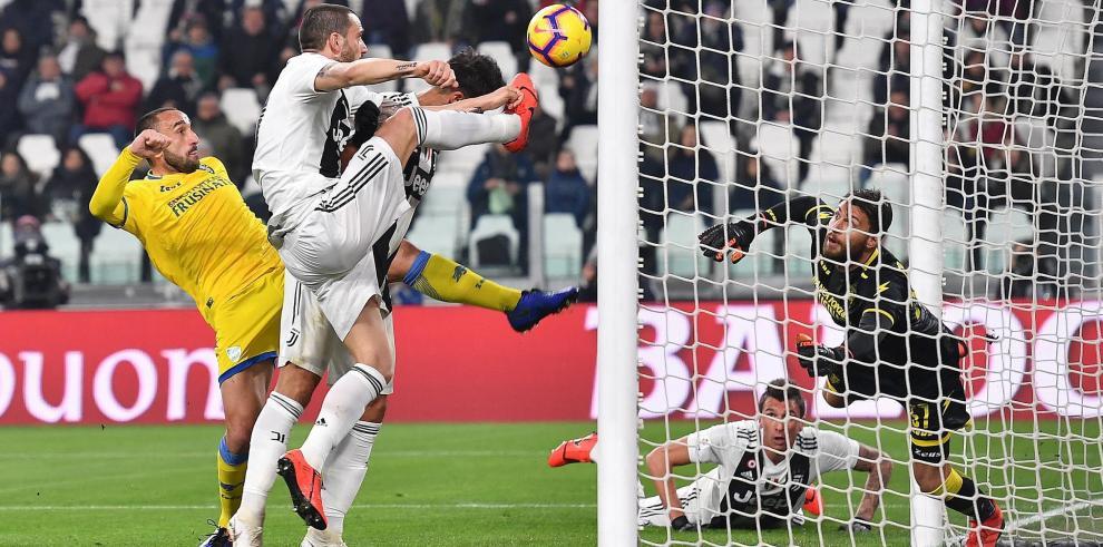 Dybala y Cristiano liquidan al Frosinone y calientan motores para Madrid