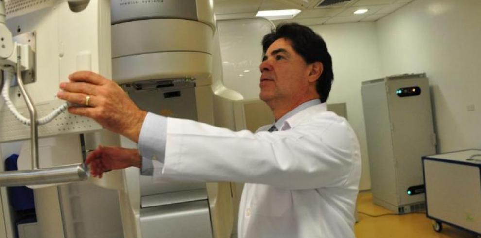 CE invierte 35 millones en desarrollo inteligencia artificial contra cáncer