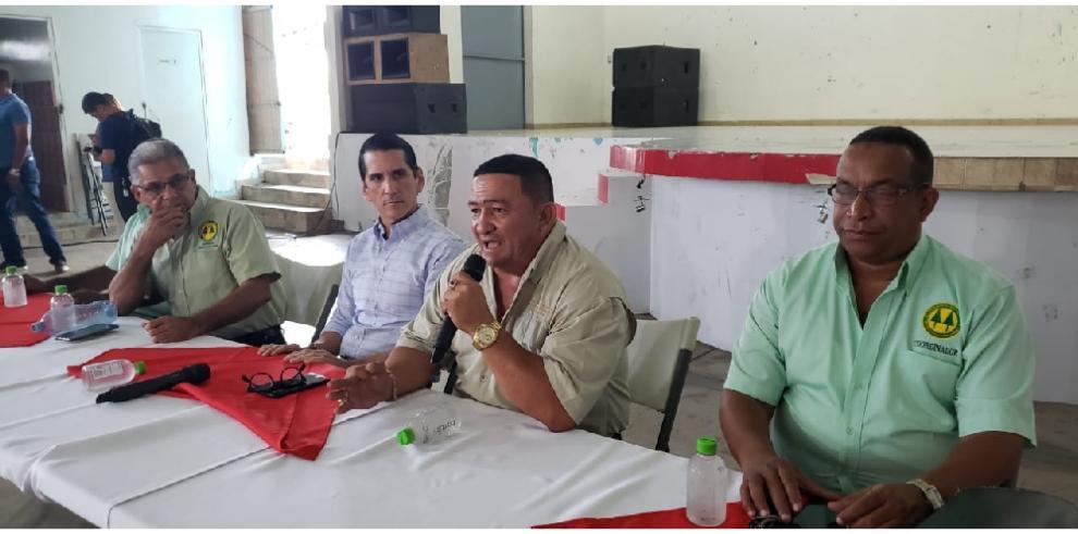 Transportistas del área de Chepo se reunieron con Rómulo Roux