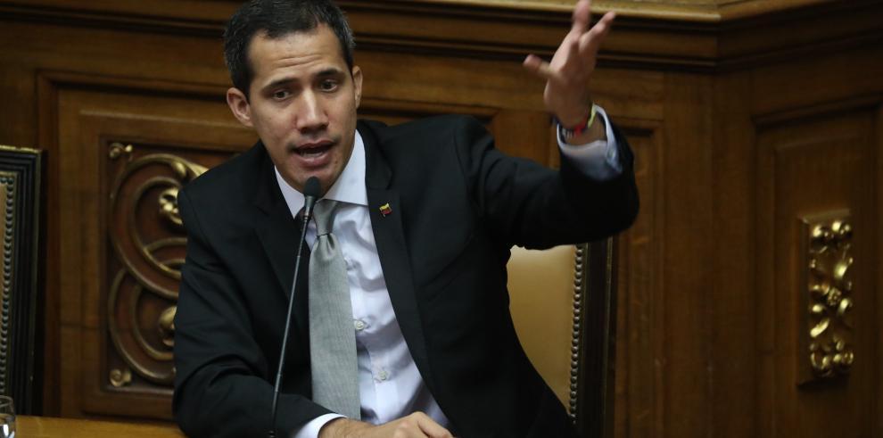 Enviado de Guaidó presenta credenciales como