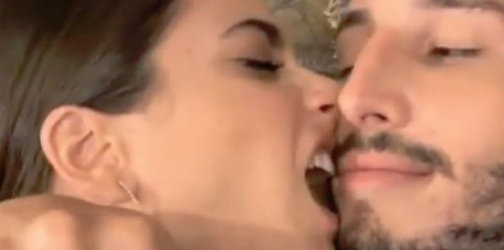 Tini Stoessel y Sebastián Yatra se comen literalmente a besos
