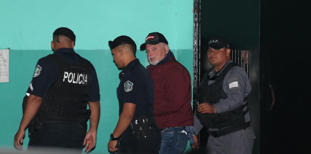 Fiscalía renuncia a presentar mitad de los testigos en juicio contra Ricardo Martinelli