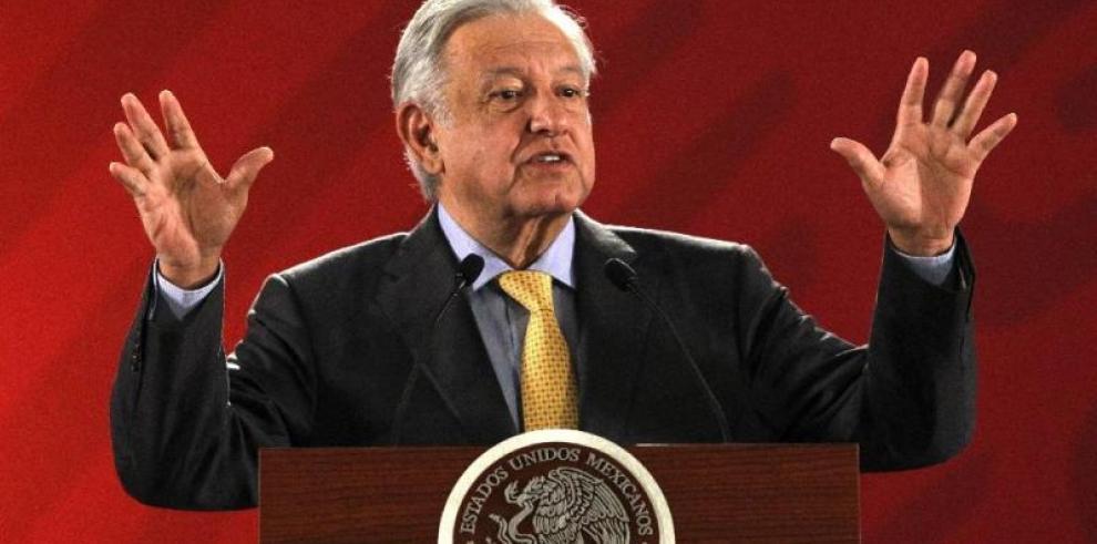 México firma acuerdo con 23 bancos para refinanciar la deuda de Pemex