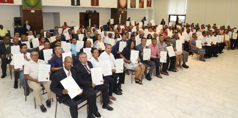 Tribunal ha entregado 1,694 credenciales de electos del 5 de mayo