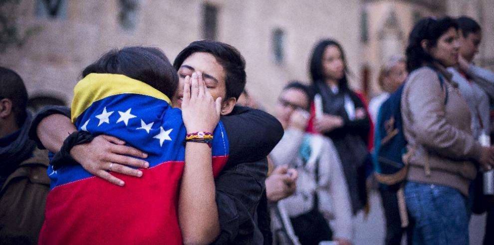 Venezolanos vuelven a la calle por crisis de legitimidad de Maduro
