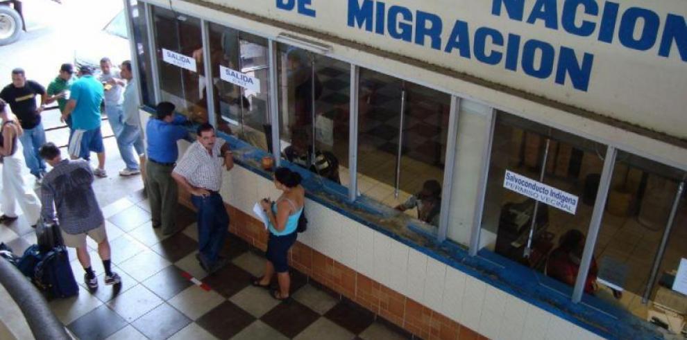 Cubanos deben tener visa estampada para ingresar a Panamá