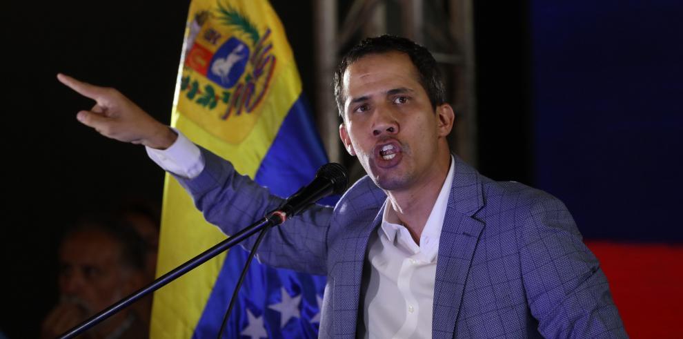Guaidó reitera que 'todas las opciones están sobre la mesa'