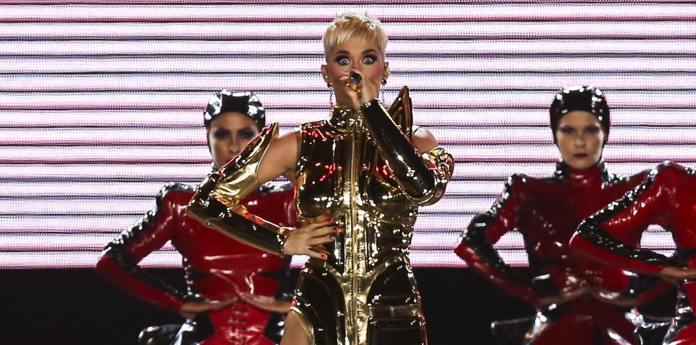 Condenan a Katy Perry por copiar una canción de rap cristiano en