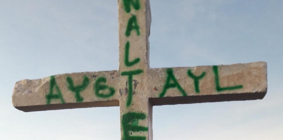Citan a dos jóvenes que presuntamente vandalizaron la cruz en el Volcán Barú