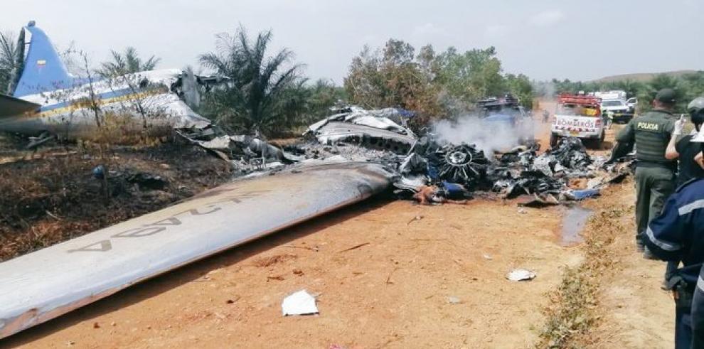 Un avión DC-3 se estrella en el centro de Colombia y mueren sus 12 ocupantes