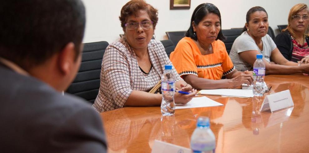 Trabajadoras domésticas se querellan ante el Mitradel por abusos patronales