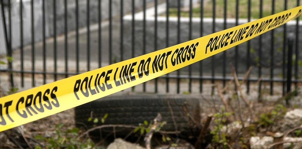 Un muerto y tres heridos deja tiroteo en sinagoga en California