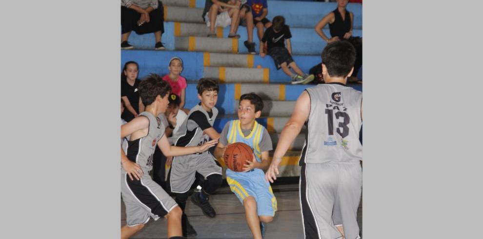 Baloncesto y Football Americano están en la agenda de los Kiwanis