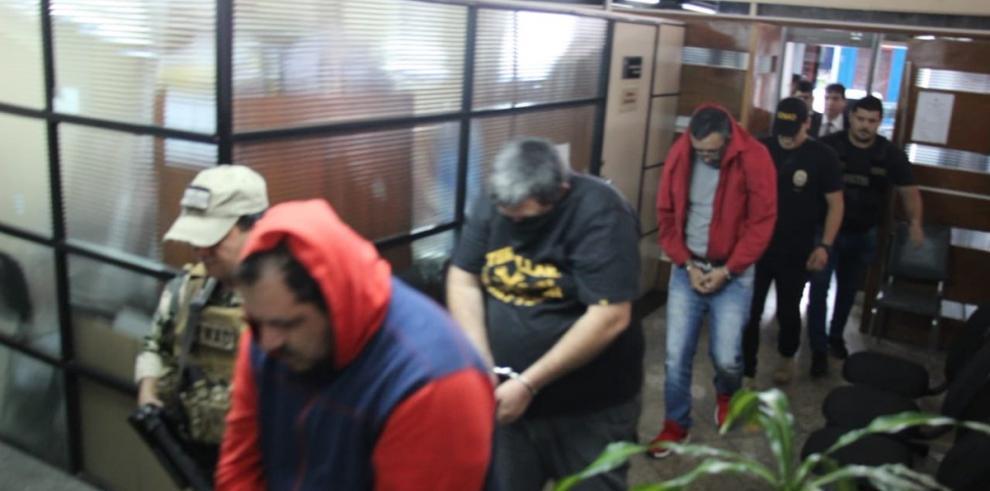 Excandidato presidencial paraguayo detenido por coimas se niega a declarar