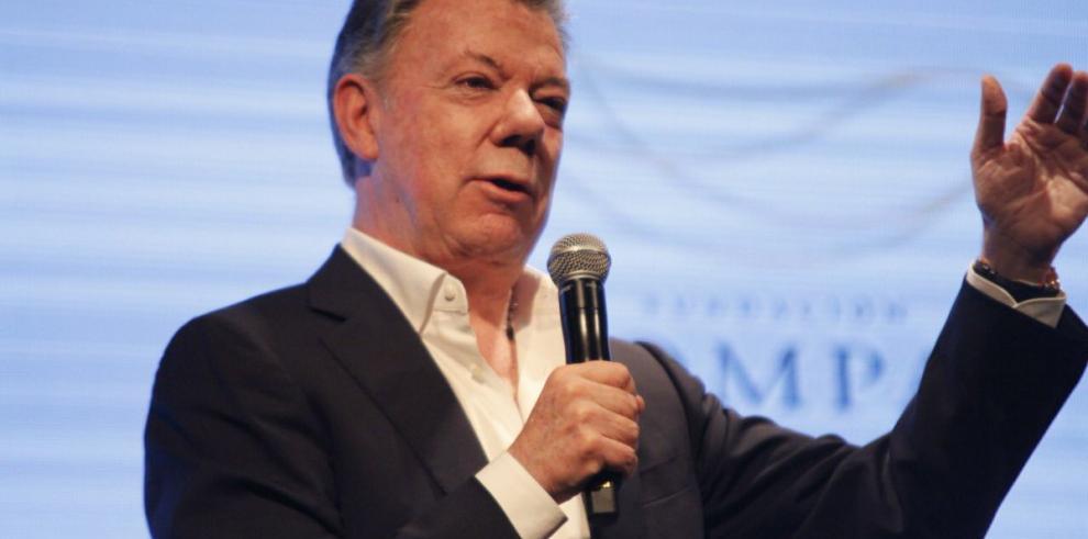 Santos hace un llamamiento a cooperar con los Objetivos Mundiales