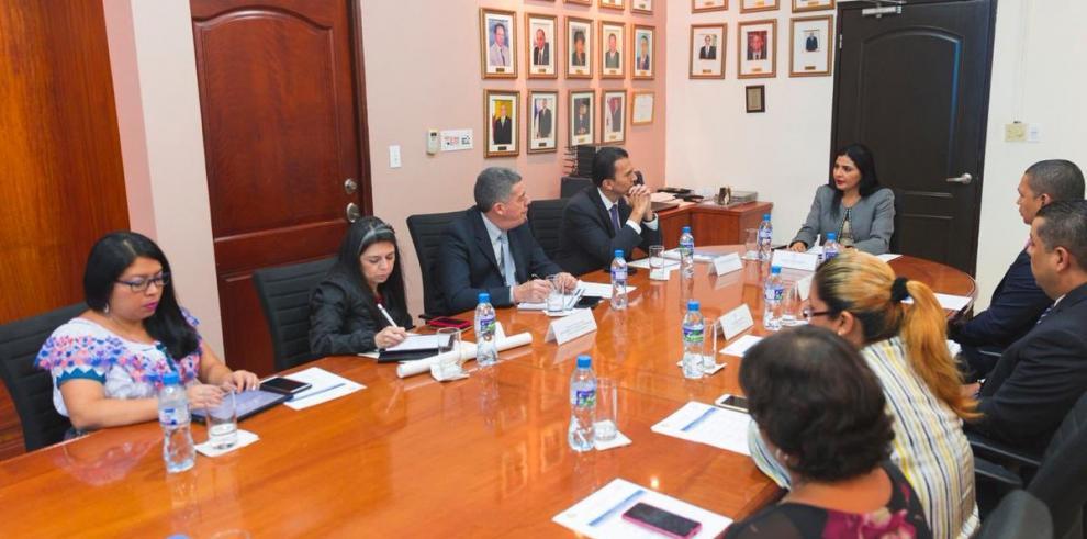 Panamá y Guatemala intercambian experiencias en materia laboral