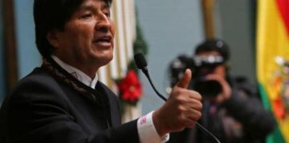 Evo Morales dice que Bolivia busca apoyo para ser subsede del Mundial de 2030