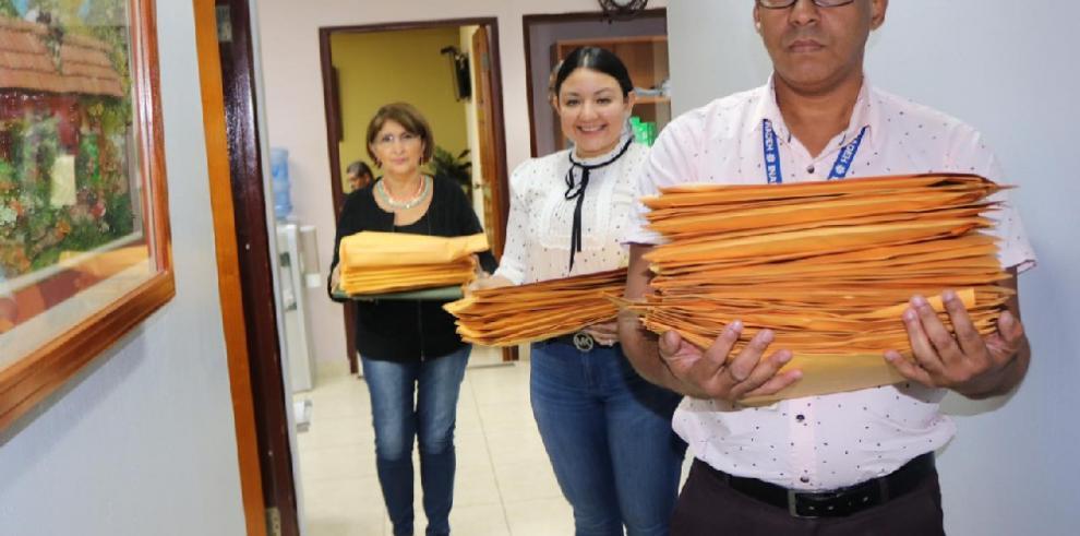 Aspirantes al cargo de director general del Inadeh suman 97 panameños