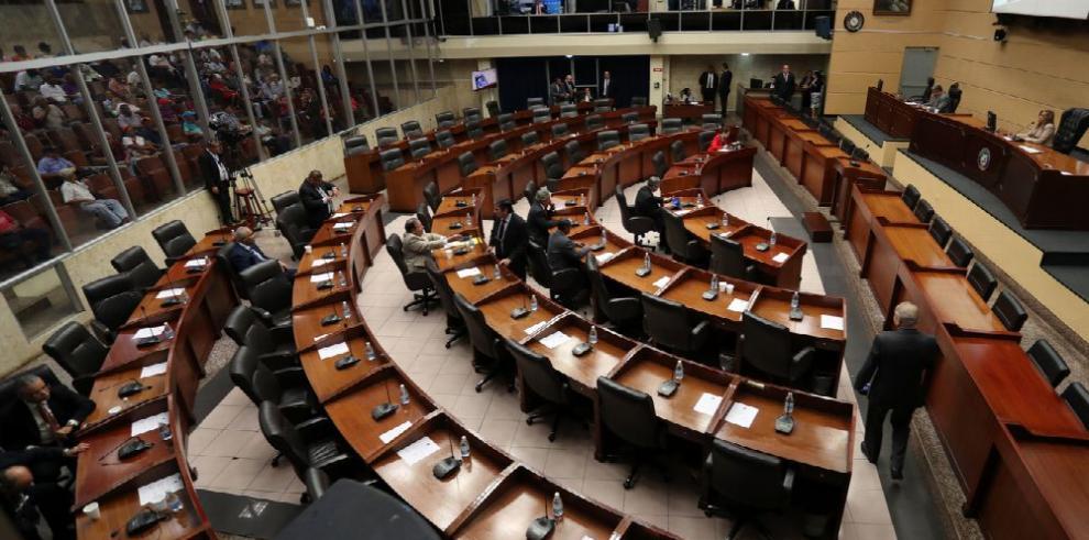 A primer debate, polémico contrato entre el Estado y Minera Panamá, S.A.
