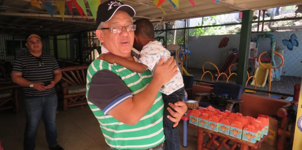 SPIA lleva alegría al Hogar del Divino Niño
