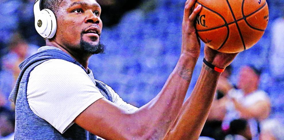 Irving da el paso, y la NBA se estremece
