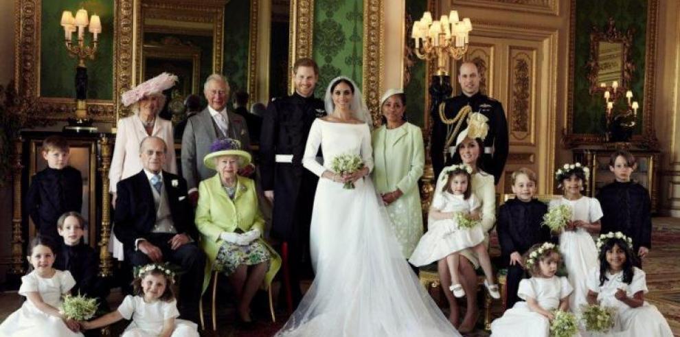 Los vestidos de boda de Meghan y Enrique se exhiben en Edimburgo