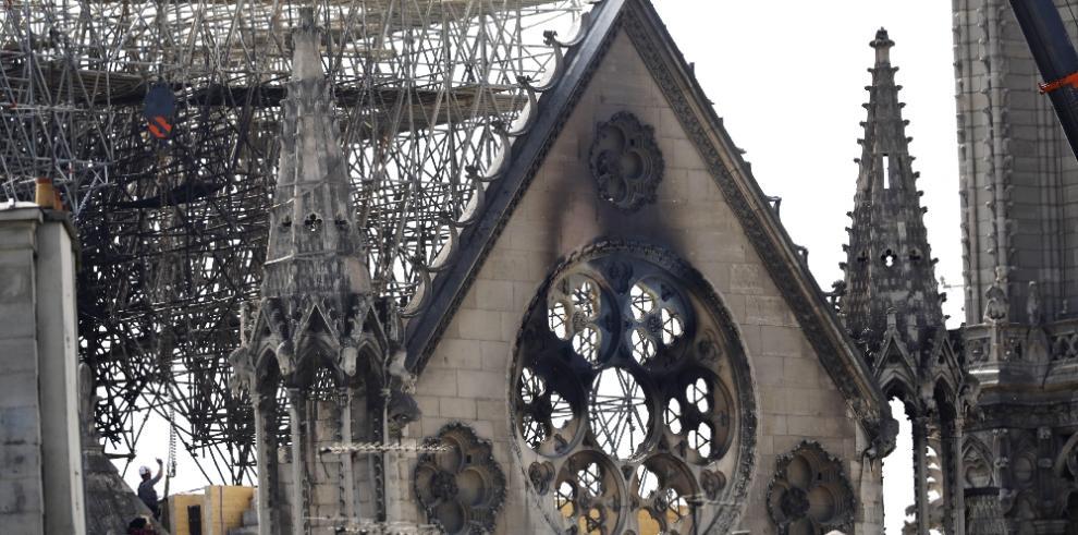Francia lanzará un concurso de arquitectos para la nueva aguja de Notre Dame