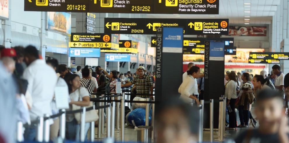 Cae la entrada de visitantes a Panamá a 299,831 personas