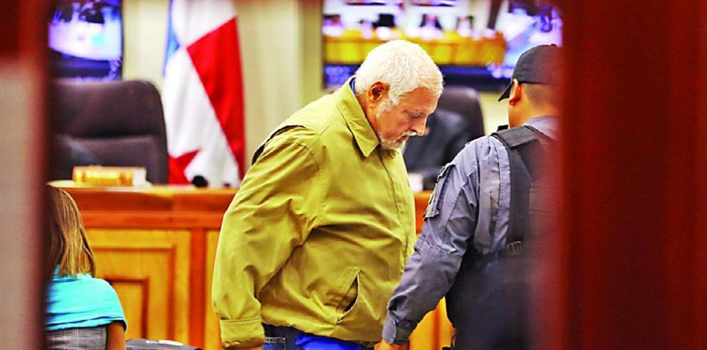 Tribunal abre pruebas con correos, fotos y videos de víctimas