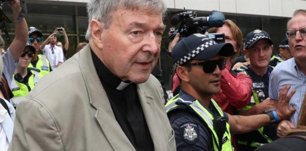 El cardenal George Pell pasa su primera noche en una prisión australiana