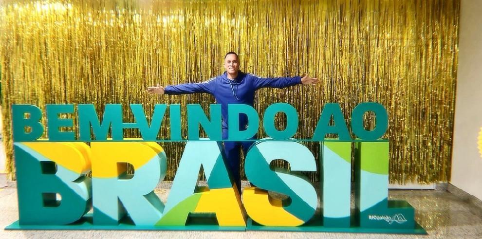 Panameños listos para su participación en el carnaval de Río de Janeiro