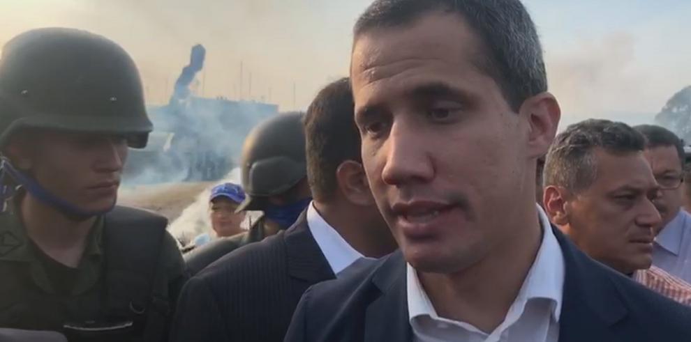 Guaidó acude a concentración con simpatizantes en bastión opositor caraqueño