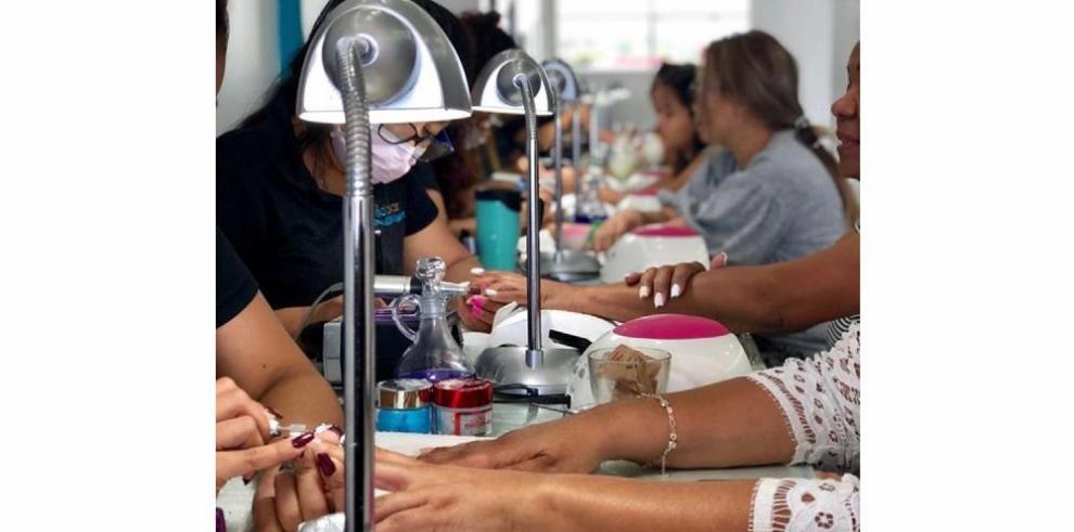 'Dip powder' e impresión 3D: la nueva revolución para las uñas
