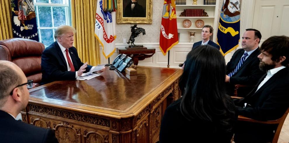 Trump se reúne en la Casa Blanca con el máximo directivo de Twitter